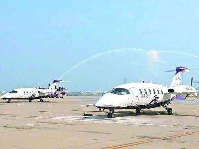 """耀莱通航接收亚洲首架新型""""空中法拉利"""""""