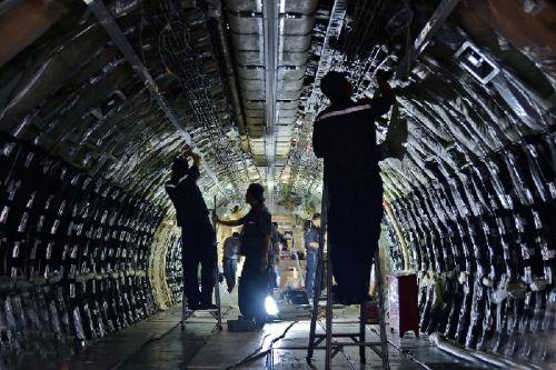 国航首架757-200客改货工程技术创新小记