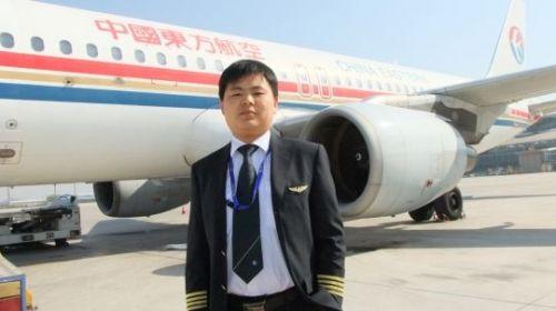 飞行4483小时 东航青岛于立群机长顺利单飞