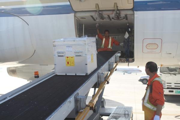 东航西北分公司货运部保障韩国三星产品运输