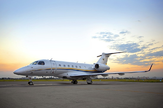 巴航工业交付首架莱格赛500中型喷气公务机