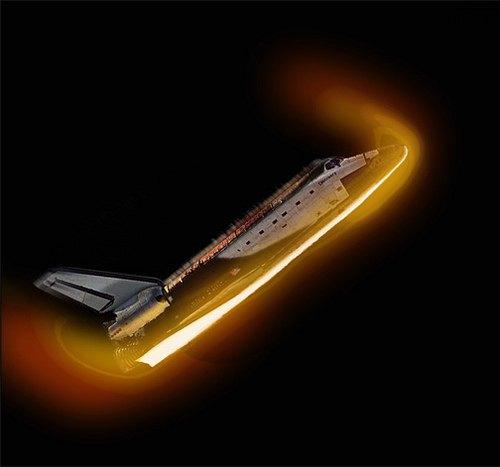 航天飞机的滑翔返回是比宇宙飞船的弹道式返回更大的技术挑战