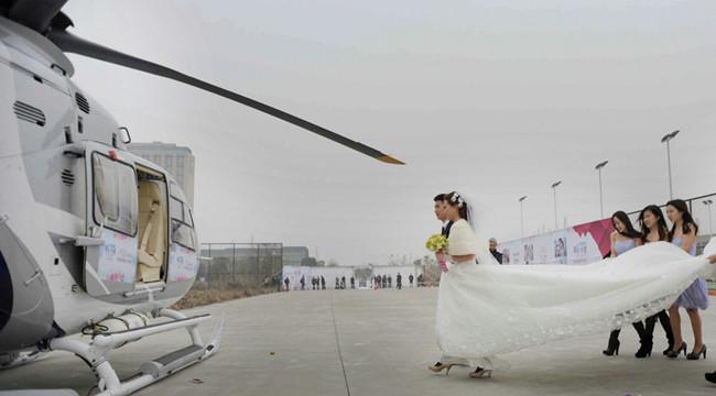 河南首家直升机婚庆公司成立:瞬间高大上
