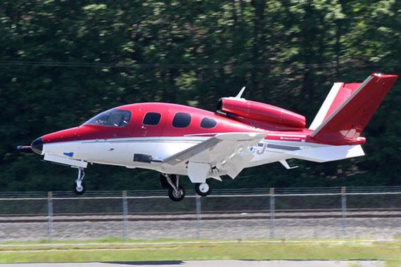"""西锐""""愿景""""sf50喷气式公务机飞机"""