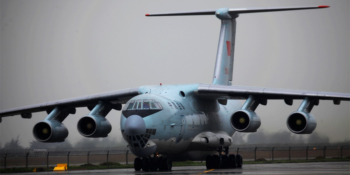 雨中送别中国空军伊尔76