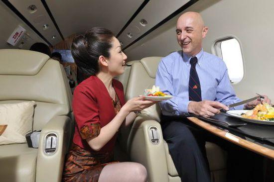 汉华航空挑战者飞抵珠海首秀中国航展