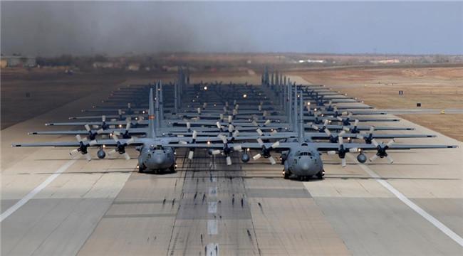 美发布空军美图 运输机玩大机群集结
