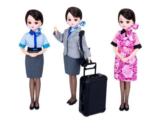 宣传空姐新制服 日本公司打造俏丽仿真娃娃