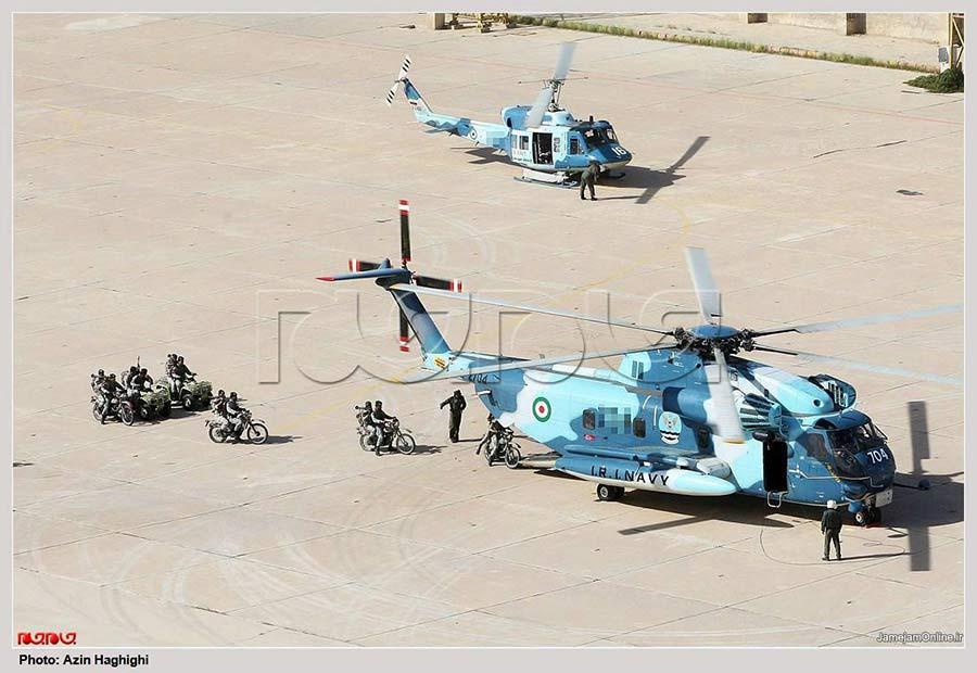 伊朗拥有的美国作战飞机种类繁多,在受到西方世界制裁的背景下,伊朗维护维修这些飞机的努力和成果令人瞩目。最近伊朗大型直升机的新动向再次证明了这一点。   1980年4月,美国特种部队试图解救被伊朗关押的美国人质,结局是行动失败,美军突入伊朗的一架C-130运输机和一架直升机相撞,使得美特种兵被迫抛弃了5架RH-53D大型直升机,撤离伊朗。原本撤退的美军召唤了海军战斗机来留在地面的RH-53D,结果空袭没有发生,美军自己的说法是因为事前特种兵扣押了53名乘公共汽车路过的伊朗人,而空袭可能炸死这些人。于是四