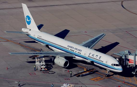 厦门航空波音757-200客机