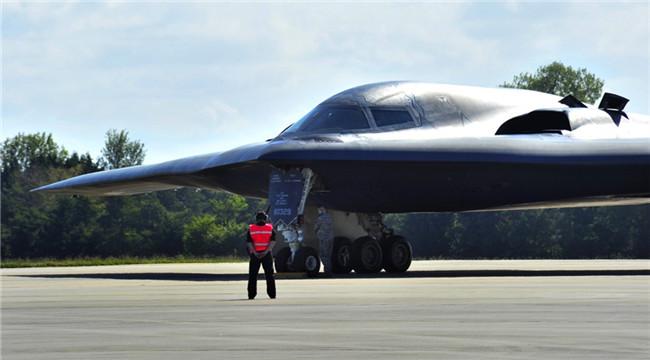 死神之握:美两型战略轰炸机合练提升核威慑