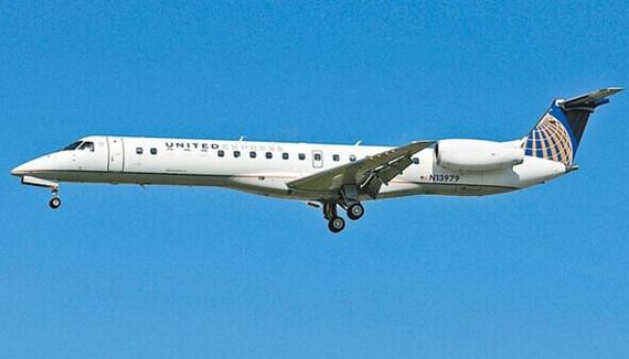美客机5分钟急坠3000米 疑因机舱气压问题