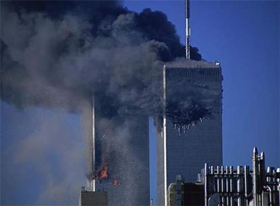 撞击美国纽约世界贸易中心(双子塔)和华盛顿五角大楼