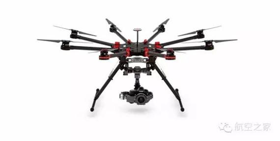 图,可放置一台单反相机的无人机
