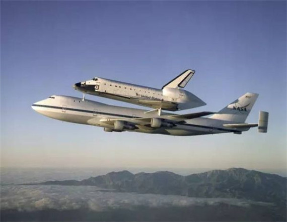 而当年美国为了运输航天飞机及其大型部件专门改装了