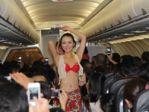 旅客全程流鼻血:越捷航空空姐全穿比基尼