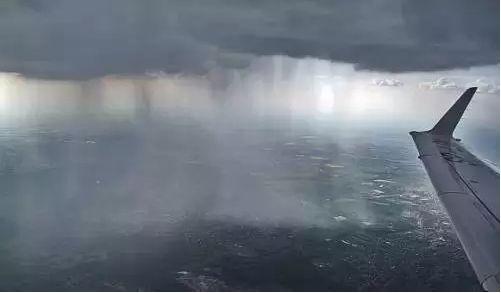 牛逼来机场认怂莫出门!最强暴雨或致大面积延