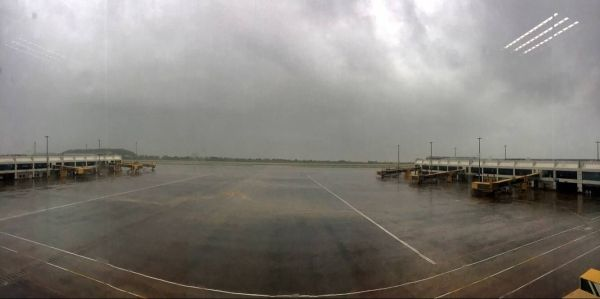 """台风""""妮妲""""有多严重?连停机坪都空了……"""