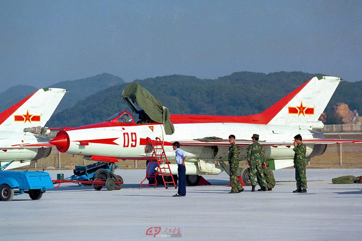 中国沈阳飞机工业(集团)有限公司(简称沈飞)的j-8iim