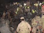 巴基斯坦一客机失事 坠机现场惨烈