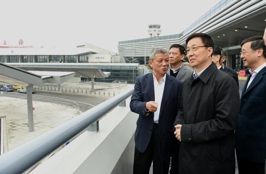 韩正调研虹桥机场:把准点率作为考核指标